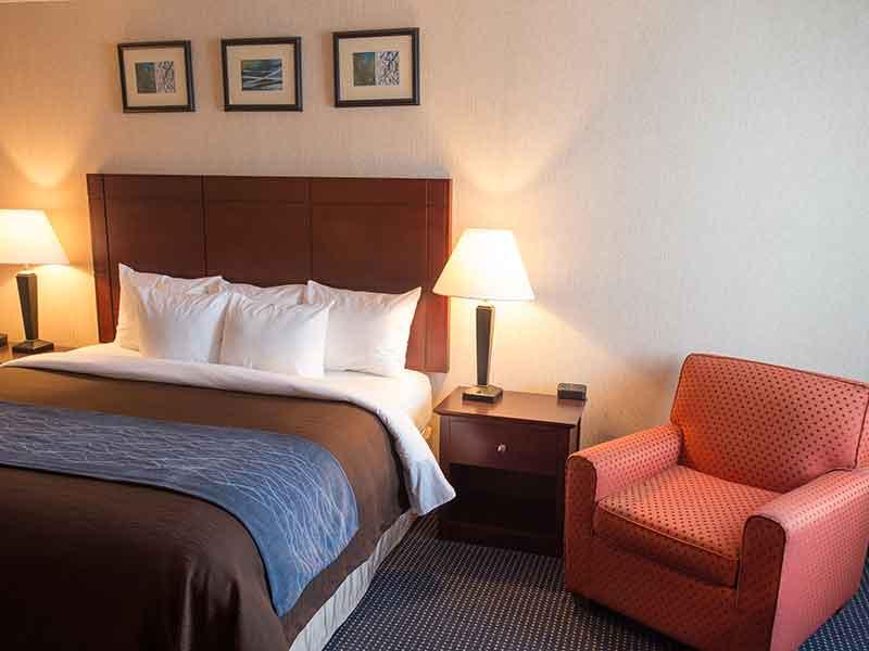 https://comfortinnanderson.com/wp-content/uploads/2017/04/efficiency-suite-comfort-inn-anderson-indiana.jpg