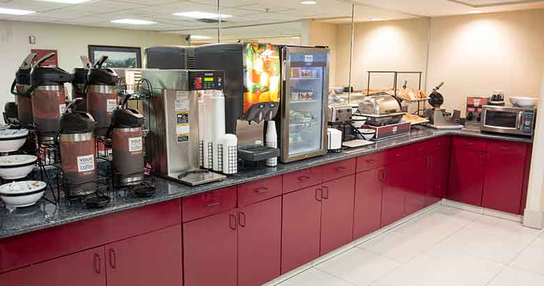 https://comfortinnanderson.com/wp-content/uploads/2017/04/hot-breakfast-comfort-inn-anderson-indiana.jpg