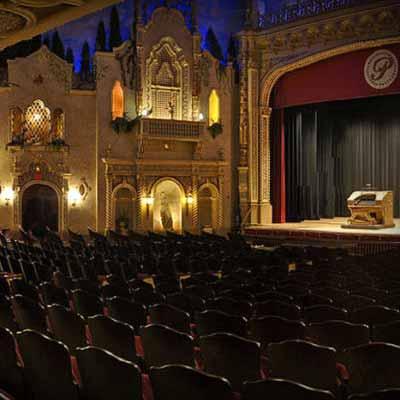 https://comfortinnanderson.com/wp-content/uploads/2017/04/paramount-theatre-centre-ballroom-anderson-indiana.jpg