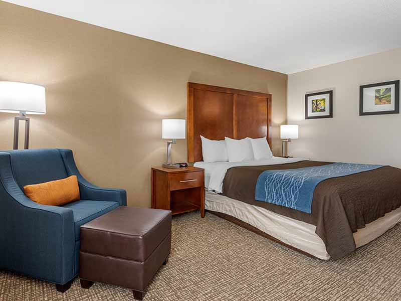 https://comfortinnanderson.com/wp-content/uploads/2019/10/Accessible-Queen-Room-Comfort-Inn-Anderson-Indiana-2.jpg