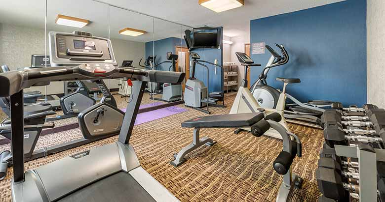 https://comfortinnanderson.com/wp-content/uploads/2019/10/Fitness-Center-and-Exercise-Room-Comfort-Inn-Anderson-Indiana-1.jpg