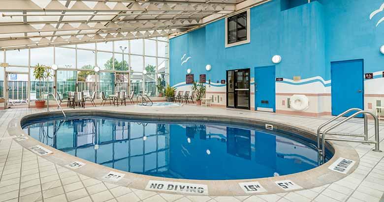 https://comfortinnanderson.com/wp-content/uploads/2019/10/Indoor-Heated-Pool-and-Whirlpool-Comfort-Inn-Anderson-Indiana-1.jpg