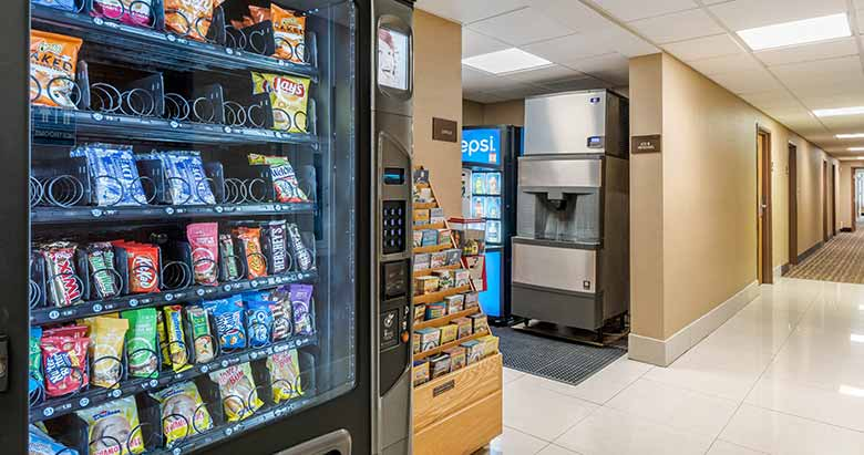 https://comfortinnanderson.com/wp-content/uploads/2019/10/Vending-Machine-Comfort-Inn-Anderson-Indiana-1.jpg